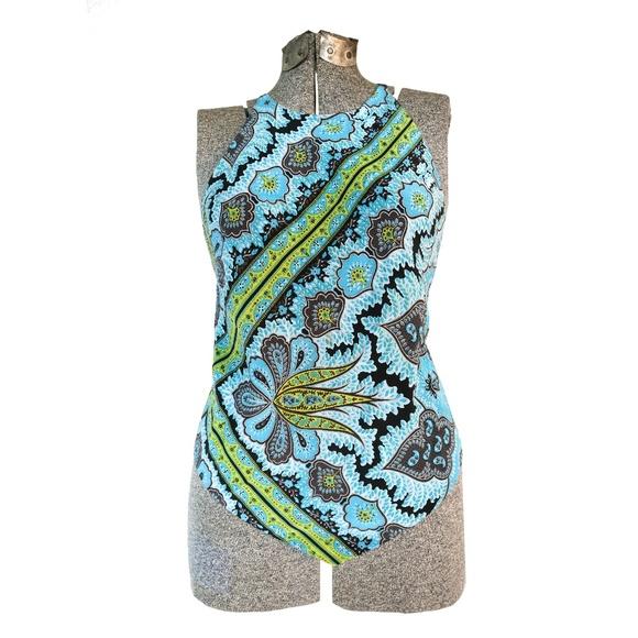 8525ac364fd Open back SILK Handkerchief Summer Top - Like NEW